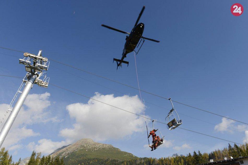 Záchranu ľudí z lanovky na Štrbskom Plese nacvičovali slovenskí a českí hasiči
