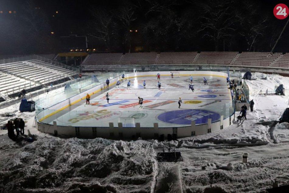 V OBRAZOCH: Prvé testovanie ľadovej plochy pred zápasmi Winter Classic
