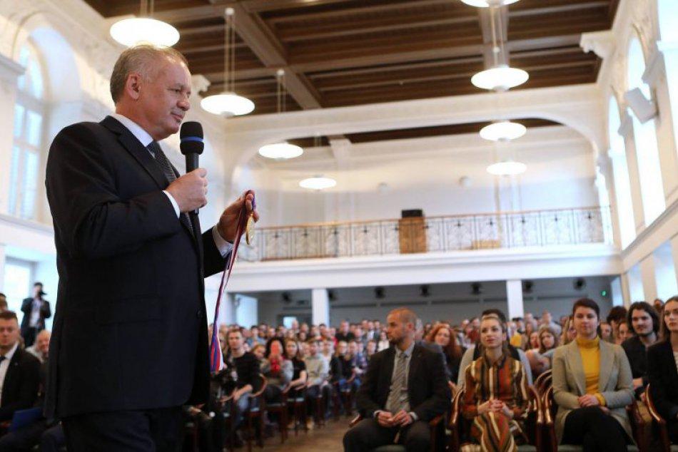 Kiska si prevzal Veľkú zlatú medailu Masarykovej univerzity