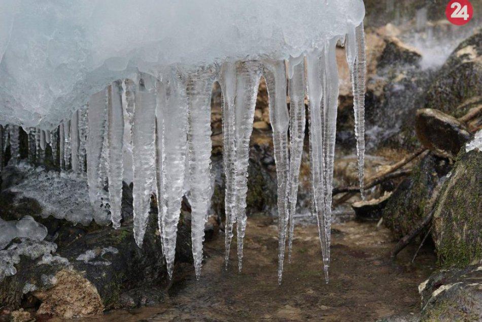 Obrazom: Hájske vodopády v zimnom šate