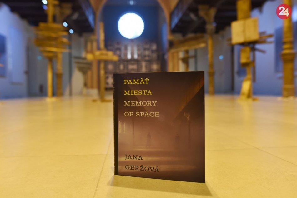 OBRAZOM: Nová kniha Pamäť miesta