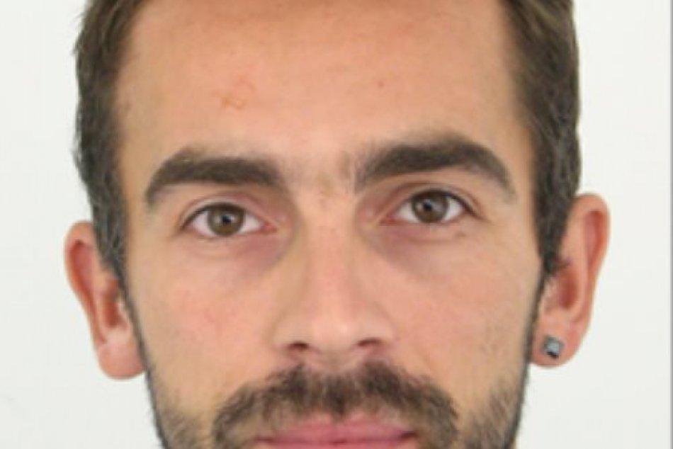 Polícia vyhlásila celoštátne pátrania po 37-ročnom Lukášovi Šickovi z Trnavy