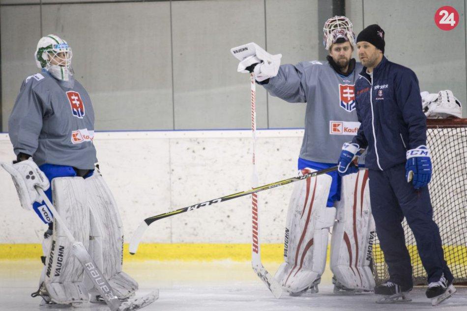 Všetkých 22 hokejových reprezentantov sa stretlo na zraze