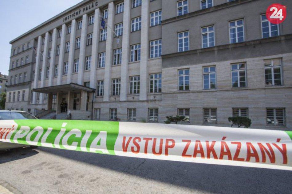 Evakuácia najvyššieho súdu, ministerstva spravodlivosti a Justičného paláca