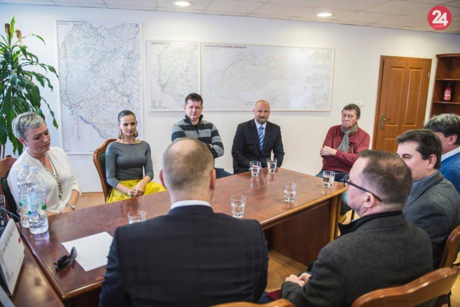 OBRAZOM: Správa a údržbu ciest TTSK má nového dočasného riaditeľa