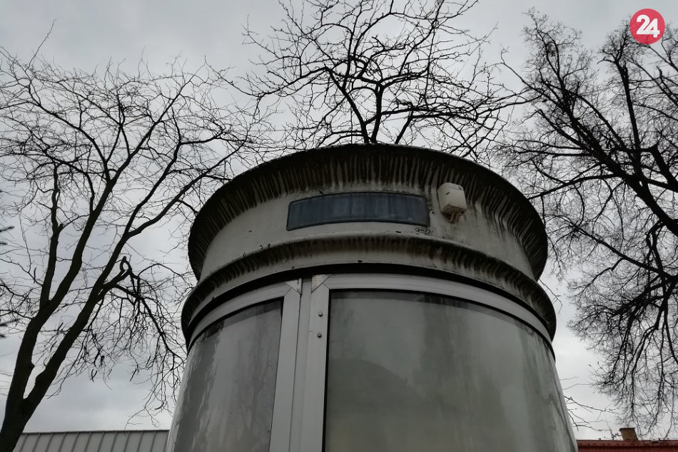FOTO: Kruhový panel na humenskom námestí už nebude fungovať ako predtým