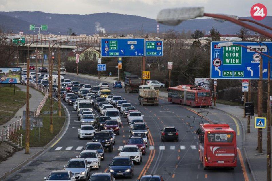Uzávery D4R7 a Mlynské nivy: Záchytné parkoviská a bus pruhy