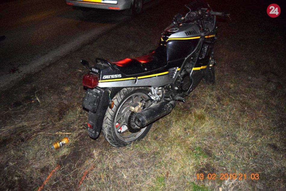 "Opitý a bez ""vodičáku"" skončil s motorkou v priekope: Nafúkal 2,63 promile"