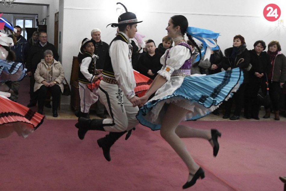Fašiangová zábava v rôznych kútoch Slovenska