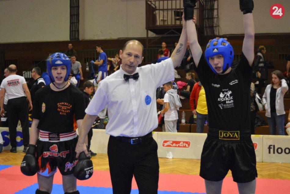 Naši michalovskí športovci na medzinárodnom turnaji v kickboxe