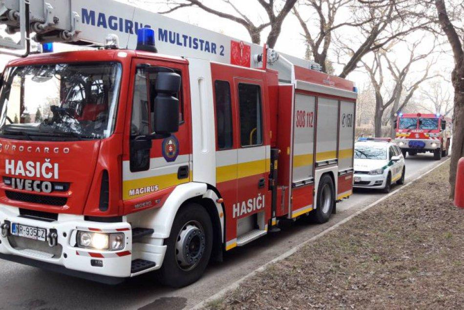 Požiar paneláku na Hviezdoslavovej ulici