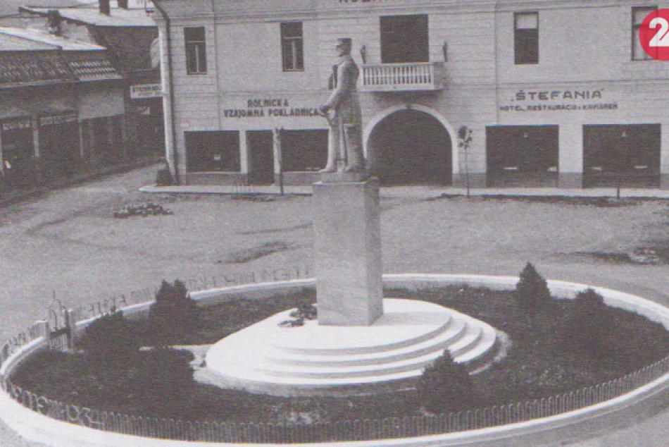 Historické foto: V medzivojnovom Humennom odhalili pamätník M.R. Štefánika