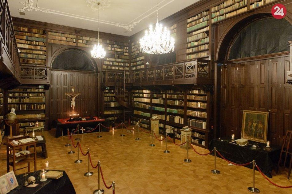 Gutenbergova knižnica v Oponiciach