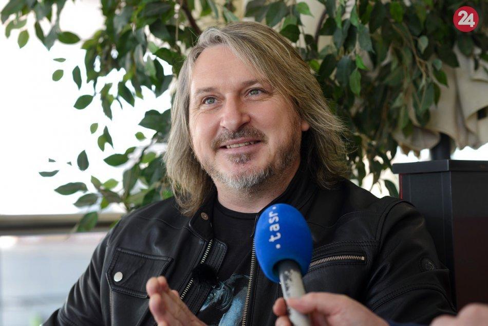 Spevák Gladiatoru Miko Hladký
