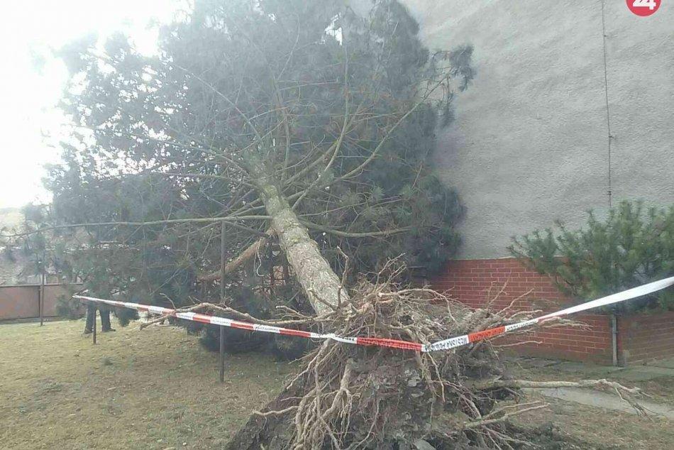 Silný vietor narobil nemalé škody