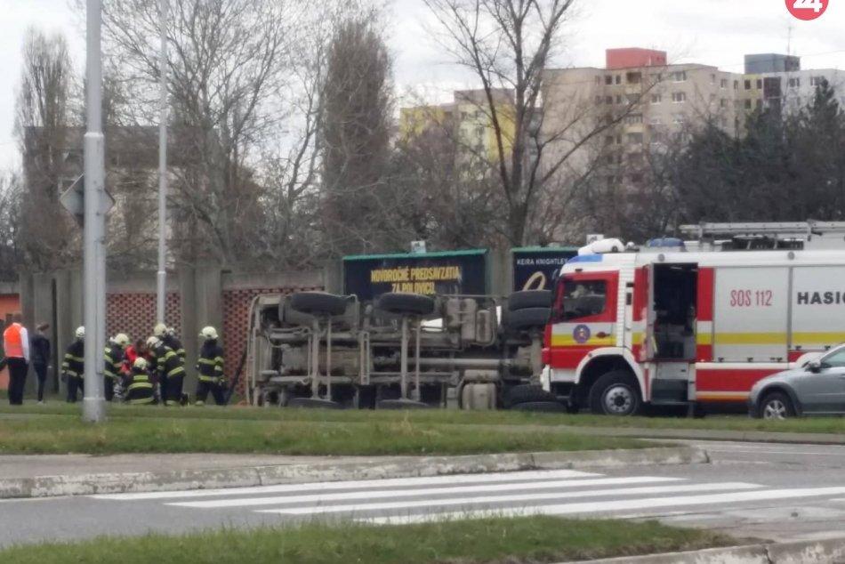 Nehoda v Petržalke na Rusovskej ceste