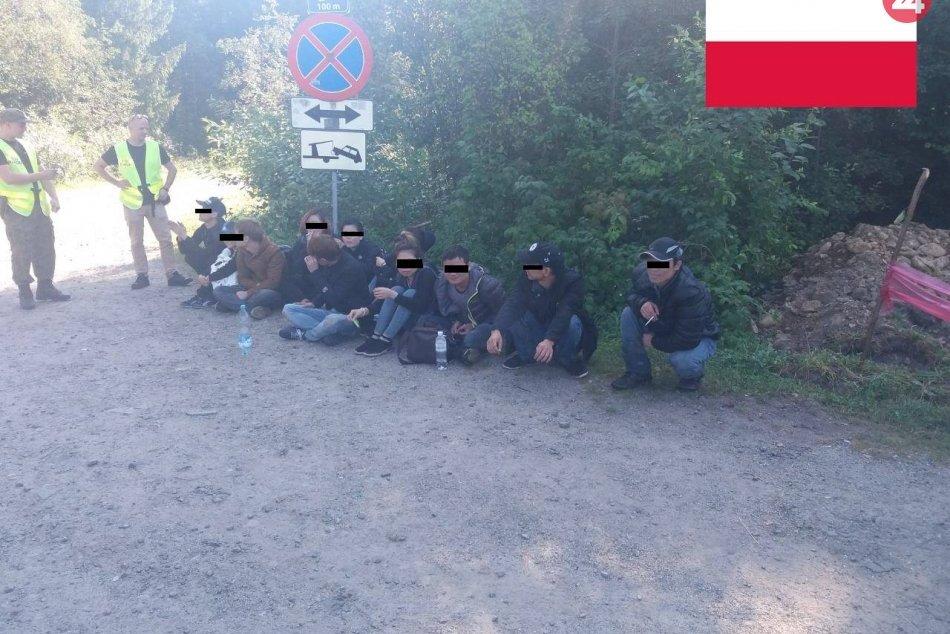 Policajti štyroch krajín rozbili organizovanú skupinu prevádzačov