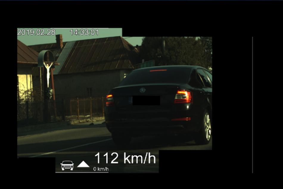 Po Michalovciach sa rútil rýchlosťou 112 km/h: Pretekár dostal mastnú pokutu