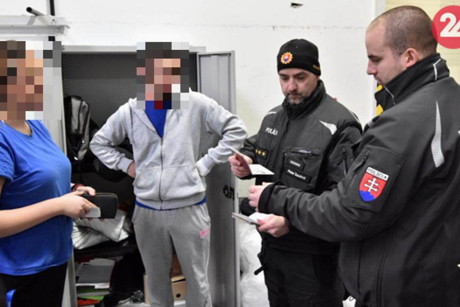 Polícia kontrolovala nelegálnu prácu