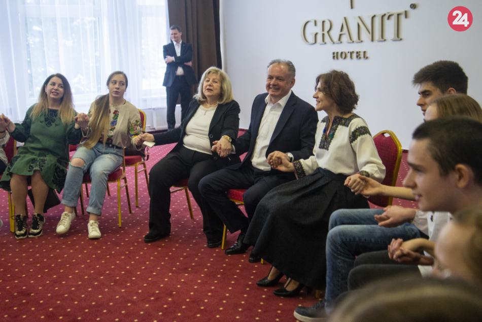 Prezident Andrej Kiska navštívil rehabilitačný tábor vo Vysokých Tatrách