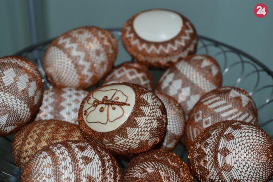 Veľká noc ide: Výstava drôtovaných vajíčok v Budatíne