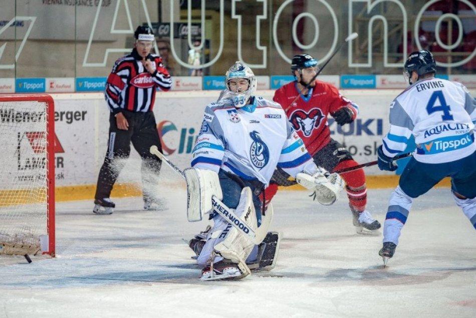1. zápas semifinále:  HC'05 iClinic Banská Bystrica - HK Poprad 5:4