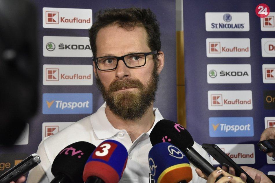 Tréning slovenskej hokejovej reprezentácie pred prípravným zápasom so Švédskom