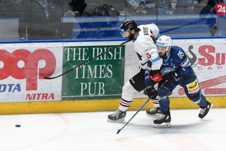 V OBRAZOCH: Bystrickí hokejisti zdolali Nitru aj v 3. finálovom zápase