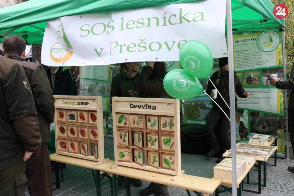 Pestrá plejáda rôznych lákadiel: Hlavnú ulicu v Prešove obsadili lesníci, FOTO