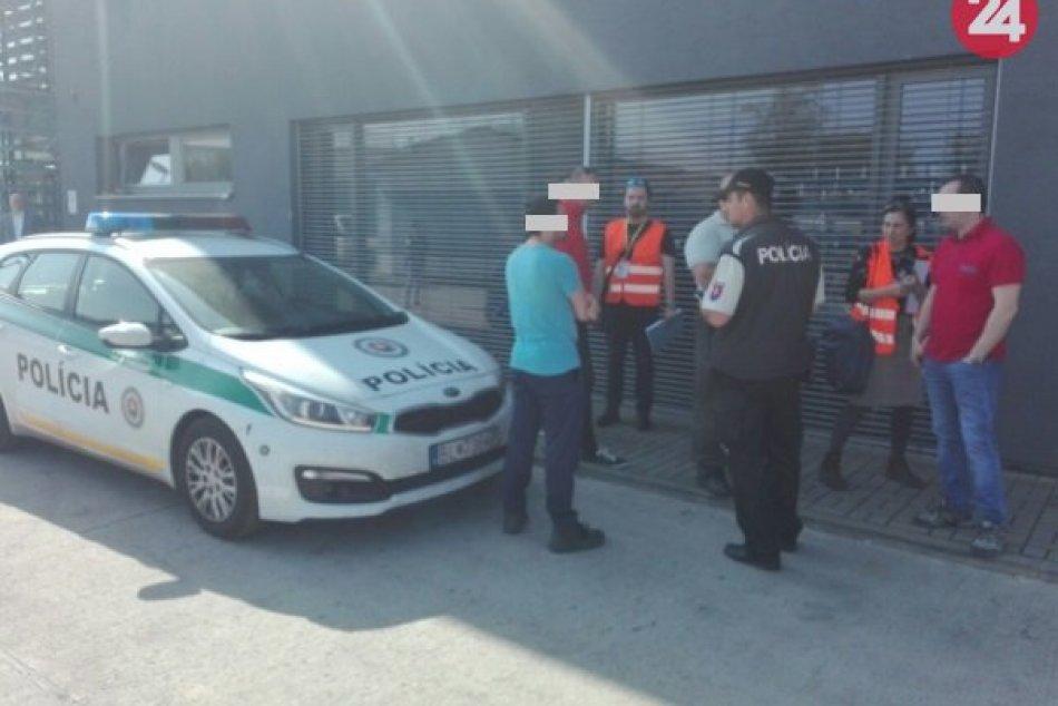 Polícia kontrolovala pobyt cudzincov v Moravciach, odhalila nelegálnu prácu