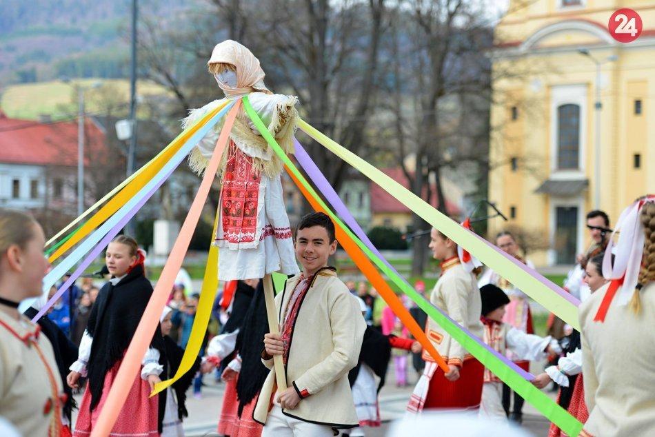 Privítanie jari v Brezne