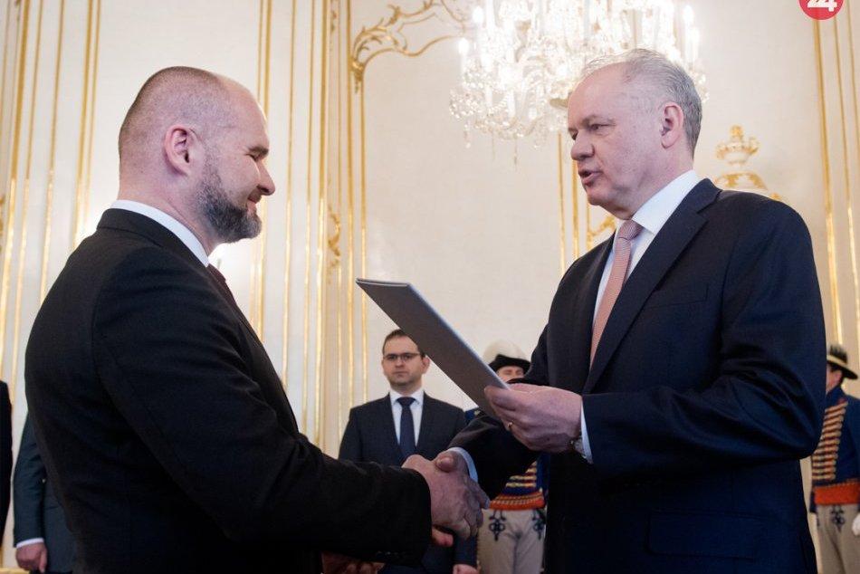 FOTO: Andrej Kiska vymenoval nového Ústavného sudcu SR