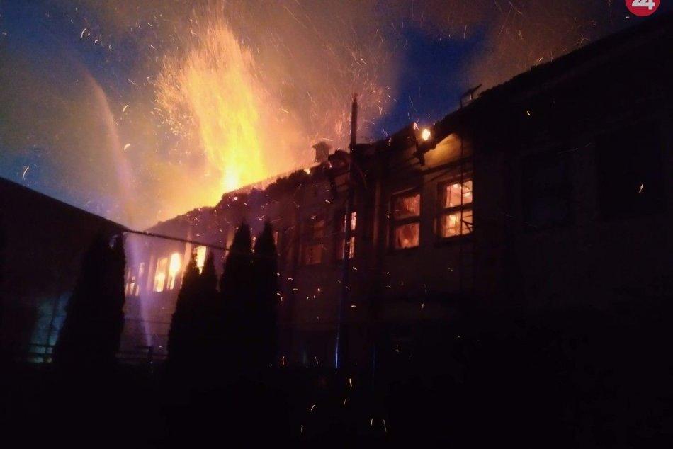 Horiaca budova v Zámkoch: Predbežnú škodu vyčíslili na vyše 130-tisíc eur