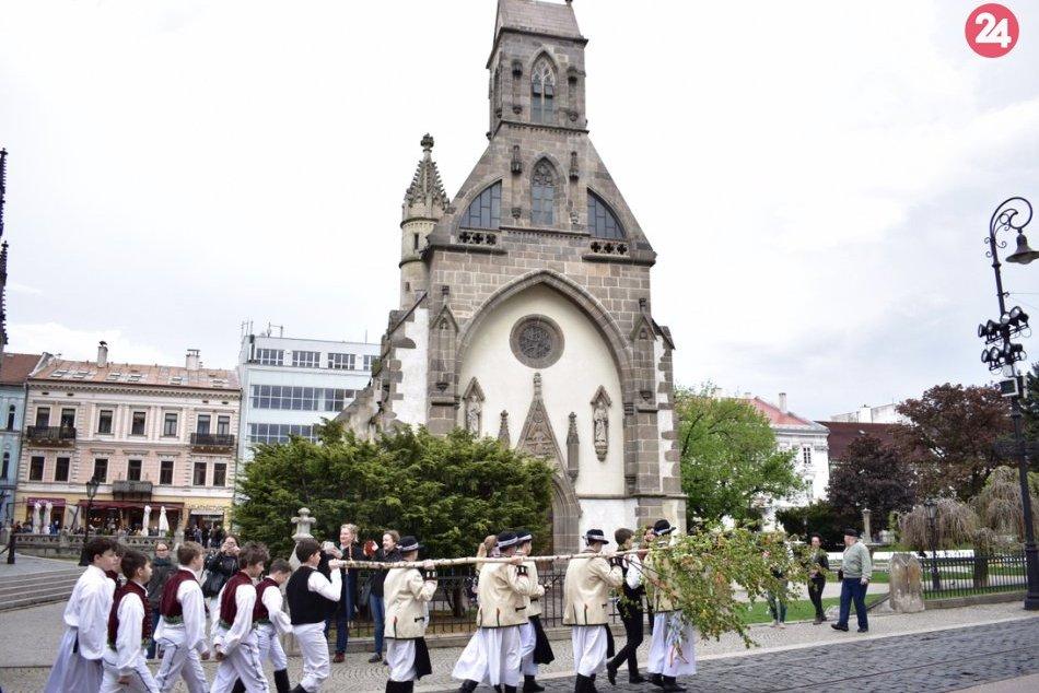 Stavanie mája Košice 2019