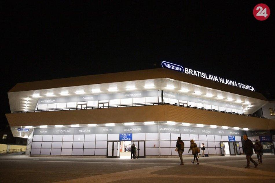 Hlavná stanica po čiastkových úpravách pred blížiacim sa hokejovým šampionátom