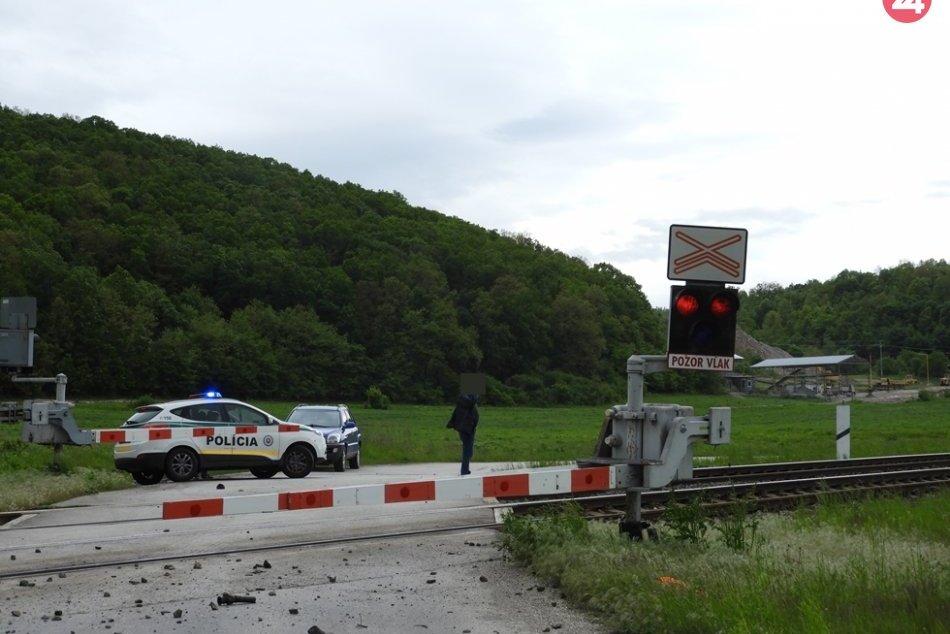 Obrazom: Zrážka auta s vlakom pri Bohúňove