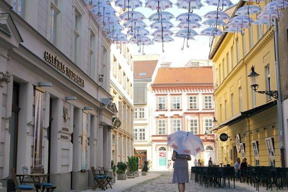 Dáždniková ulica pri Nedbalke