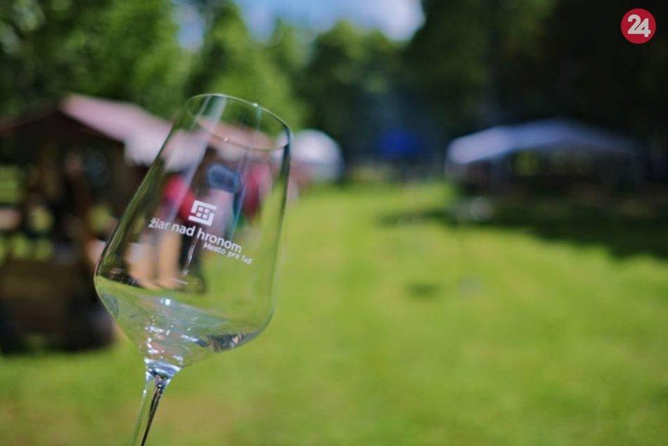 Vino v parku si už prvý rok našlo stovky priaznivcov