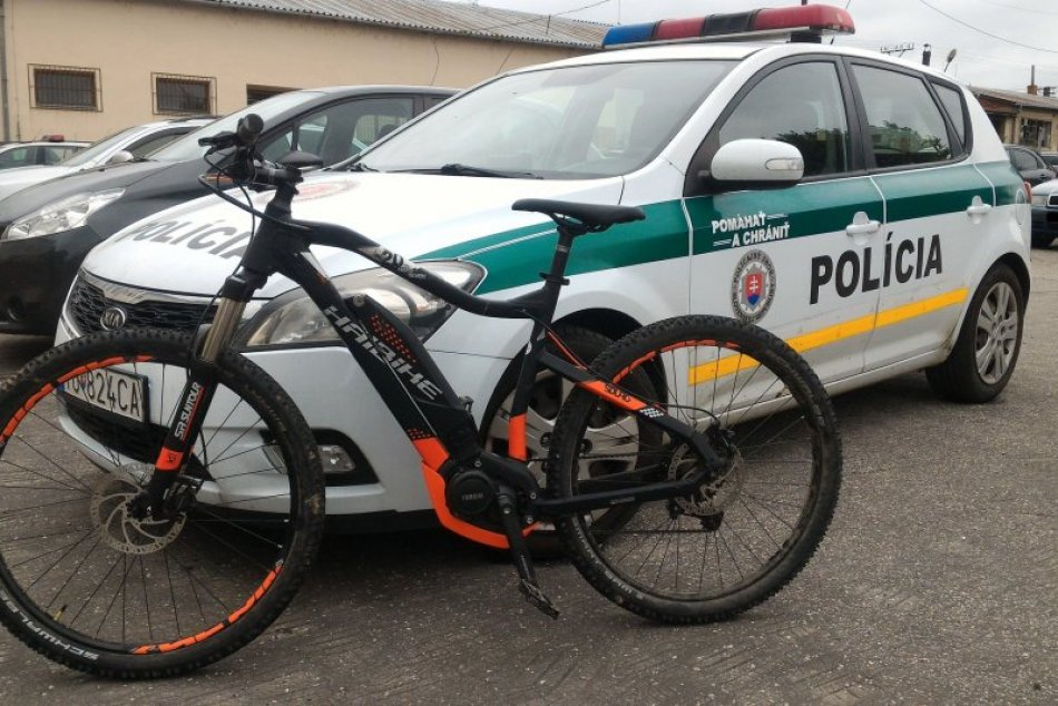Poriadne rýchla práca: Policajti vypátrali elektrobicykel v deň jeho krádeži