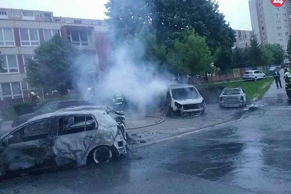 Požiar áut na Ťahanovciach