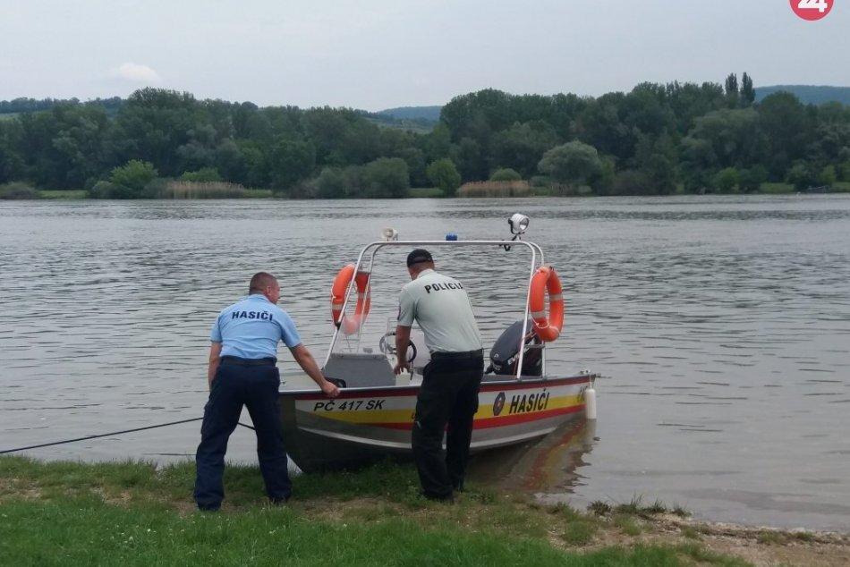 Piešťanská polícia pátra: Nezvestný Ukrajinec zmizol pod hladinou rieky Váh