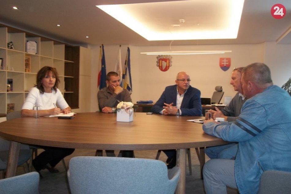 V Šali rokovali o doprave: Občania môžu vyplniť dotazník, FOTO