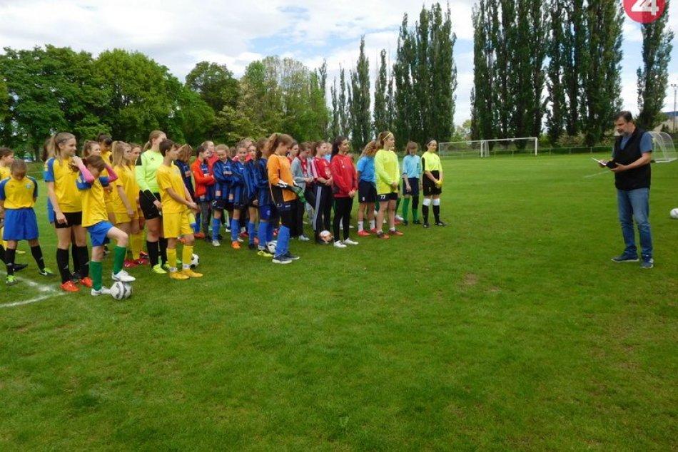 Majstrovstvá kraja v malom futbale žiačok: Ktorý tím postupuje ďalej?