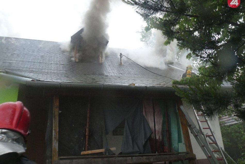Požiar domu na Hradeckej ulici vPrievidzi: Zábery z neho
