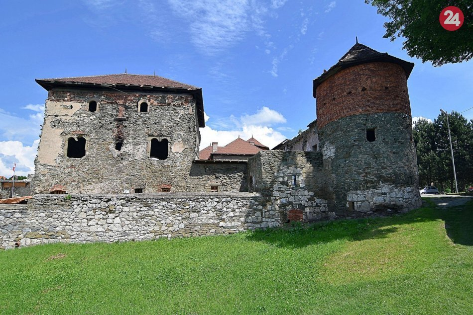 V OBRAZOCH: Aktuálne snímky z hradu Markušovce