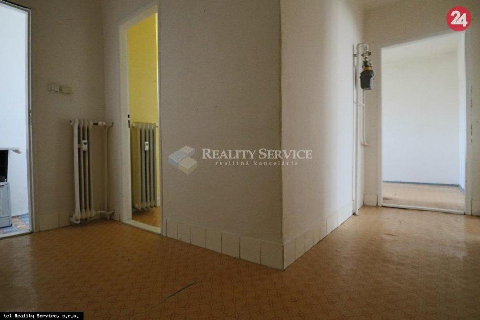 Dvojizbový tehlový byt v širšom centre Žiaru