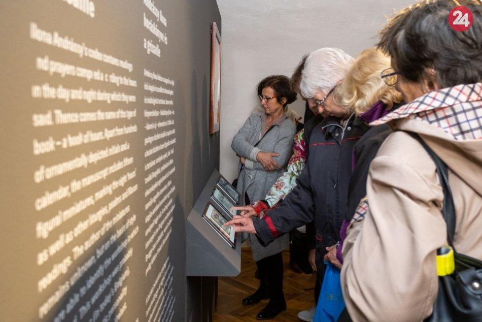 Obrazom: Múzeum Betliar počas leta vystavuje knihu hodiniek I. Andrássyovej