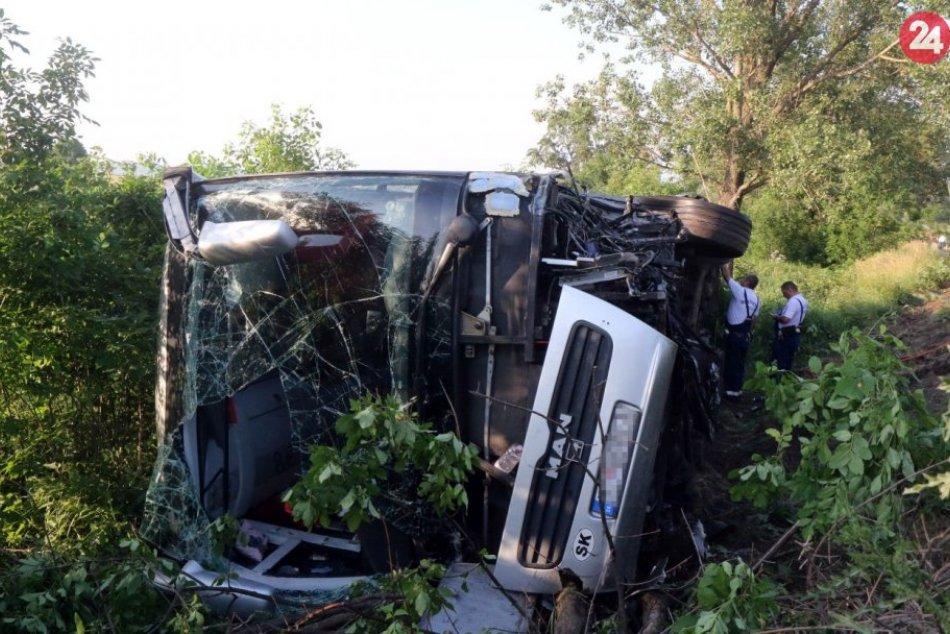 Autobus s deťmi zo Slovenska mal v Maďarsku nehodu