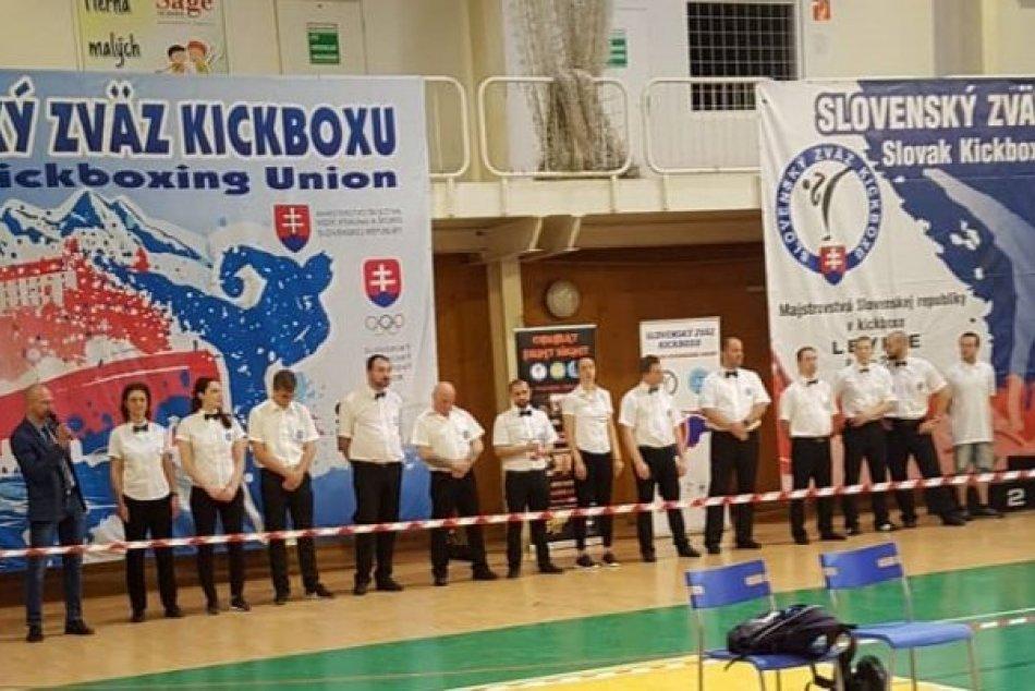 V OBRAZOCH: Revúcki kickboxeri žali v Leviciach medailové úspechy