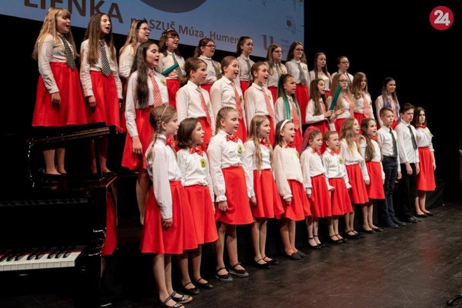 FOTO: Detský spevácky zbor Lienka z Humenného sa zaskvel na prestížnej súťaži!
